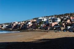 Maroc-Dorf am Strand lizenzfreies stockfoto
