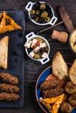 Maroccan样式快餐选择,塔帕纤维布 免版税图库摄影