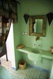 Marockansk badrum royaltyfri bild