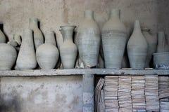 Marockansk krukmakeriproduktion Arkivbild