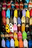 Marockanska arabiska traditionella skor Arkivfoton