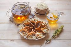 Marockanska pannkakor med örtte En mitt - östlig mat arkivbild