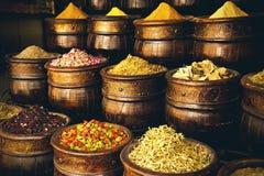Marockanska skyttlar med kryddor Royaltyfri Fotografi