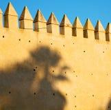 Marocko landkonstruktion och historia i himlen royaltyfri foto