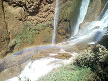 Marocko Ouzoud nedgångar med regnbågen Royaltyfria Bilder