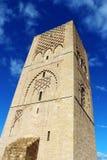 Marocko Rabat hassan konungmausoleum mohamed morocco mitt emot rabat torn v Arkivfoto