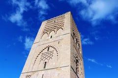 Marocko Rabat hassan konungmausoleum mohamed morocco mitt emot rabat torn v Arkivfoton