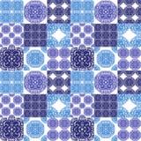 Marokańczyk tafluje ornamenty w błękitnych i bielu kolorach ilustracja wektor