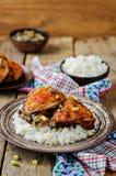 Marokański spiced kurczak z datami i aubergines Fotografia Stock