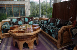 Marokkaans woonkamerbinnenland Royalty-vrije Stock Afbeeldingen