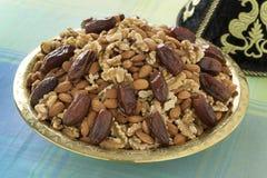 Marokkaanse feestelijke tajine met noten en data Royalty-vrije Stock Foto