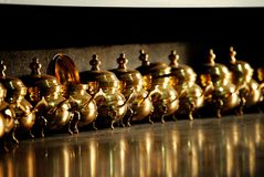 Marokkaanse oude gouden theepotten, Marrakech Royalty-vrije Stock Foto