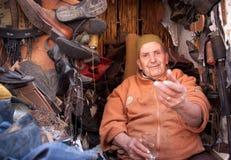 Marokkaanse schoenmaker Royalty-vrije Stock Afbeeldingen