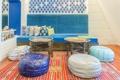 Marokkaanse Stijl in woonkamer Stock Afbeeldingen