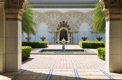 Marokkanische Architektur-innerer Garten lizenzfreie stockfotos