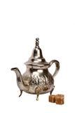Marokkanische Teekanne stockfotos
