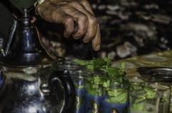 Marokkanischer tadelloser Tee stockfotos