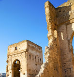 Marokko-Bogen im alten Baublau Afrikas Lizenzfreies Stockfoto