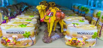 Marokko-Kamelandenken am Shop Lizenzfreie Stockbilder