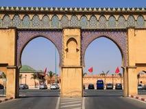 Maroko, Meknes, wysklepiający w miasto bramie obraz royalty free