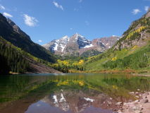 Maroon колоколы, гора, озеро, отражение, Aspen, Co стоковое фото rf