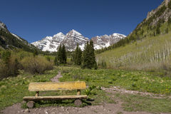 Maroon Bell Mountains & Bench Royalty Free Stock Photos