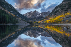 Maroon Bells & Clouds Royalty Free Stock Photography