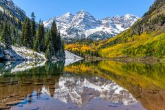 Maroon Bells and Maroon Lake Royalty Free Stock Photography