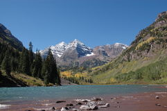 Maroon Bells and Maroon Lake. Autumn Picture of Maroon Bells and Maroon Lake in Colorado, USA stock photography