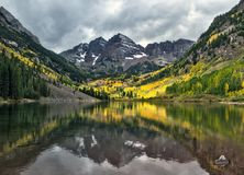 Free Maroon Bells Peaks And Fall Colors In The Rocky Mountain National Park Royalty Free Stock Photo - 101636695