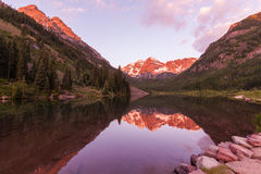 Maroon Bells Reflection in Summer Royalty Free Stock Photos