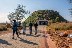 Maropeng-Hügelgrab-Eingang Stockfoto