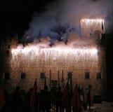 Marostica, VI, Italia - 9 de septiembre de 2016: fuegos artificiales con las chispas Fotografía de archivo
