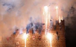 Marostica, VI, Italia - 9 settembre 2016: fuochi d'artificio con le scintille Immagini Stock Libere da Diritti
