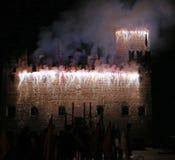 Marostica, VI Włochy, Wrzesień, - 9, 2016: fajerwerki z iskrami Zdjęcie Royalty Free