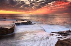 Maroubra spada kaskadą Australia scenicznego wschód słońca Zdjęcia Royalty Free