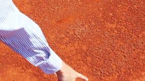 Marque de tennis sur la surface d'argile banque de vidéos