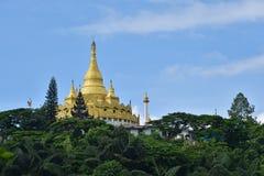 Marque de terre célèbre d'endroits de pagoda d'or dans le mya de l'État Shan de lah de mang Images stock