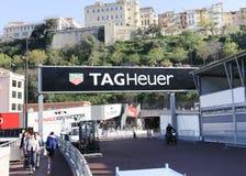Marque el anuncio de Heuer con etiqueta para el Mónaco Grand Prix 2015 Fotos de archivo libres de regalías