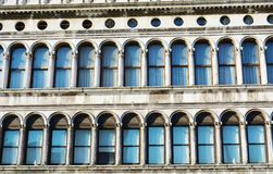 Marque el cuadrado y la arquitectura, detalles del ` s, en Venecia, Italia Fotografía de archivo