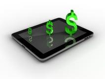 Marque en la tableta la PC con la muestra de dólar aislada en blanco Imagen de archivo libre de regalías