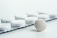 Marque sur tablette la médecine pour la santé des personnes Photographie stock