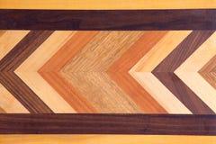 Marquetería decorativa en una tabla de cortar Foto de archivo libre de regalías