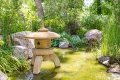 Marqueur en pierre japonais de lanterne Photographie stock