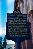 Marqueur historique du comté de Lancaster au signe de tribunal Photos libres de droits