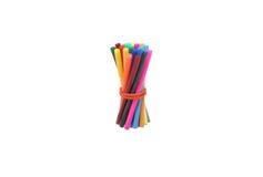 Marqueurs collés et crayons d'une bande élastique Photos stock