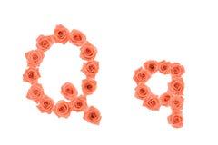 Marquez avec des lettres Q, alphabet fait à partir des roses oranges Photo libre de droits