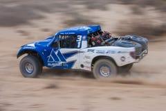 Marquez la course de camion de la route 4x4 Baja Photographie stock libre de droits