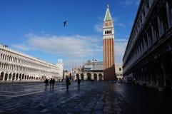 marquez la rue carrée Venise de s Image stock