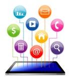 Marquez sur tablette avec le graphisme social d'application de medias Photos libres de droits